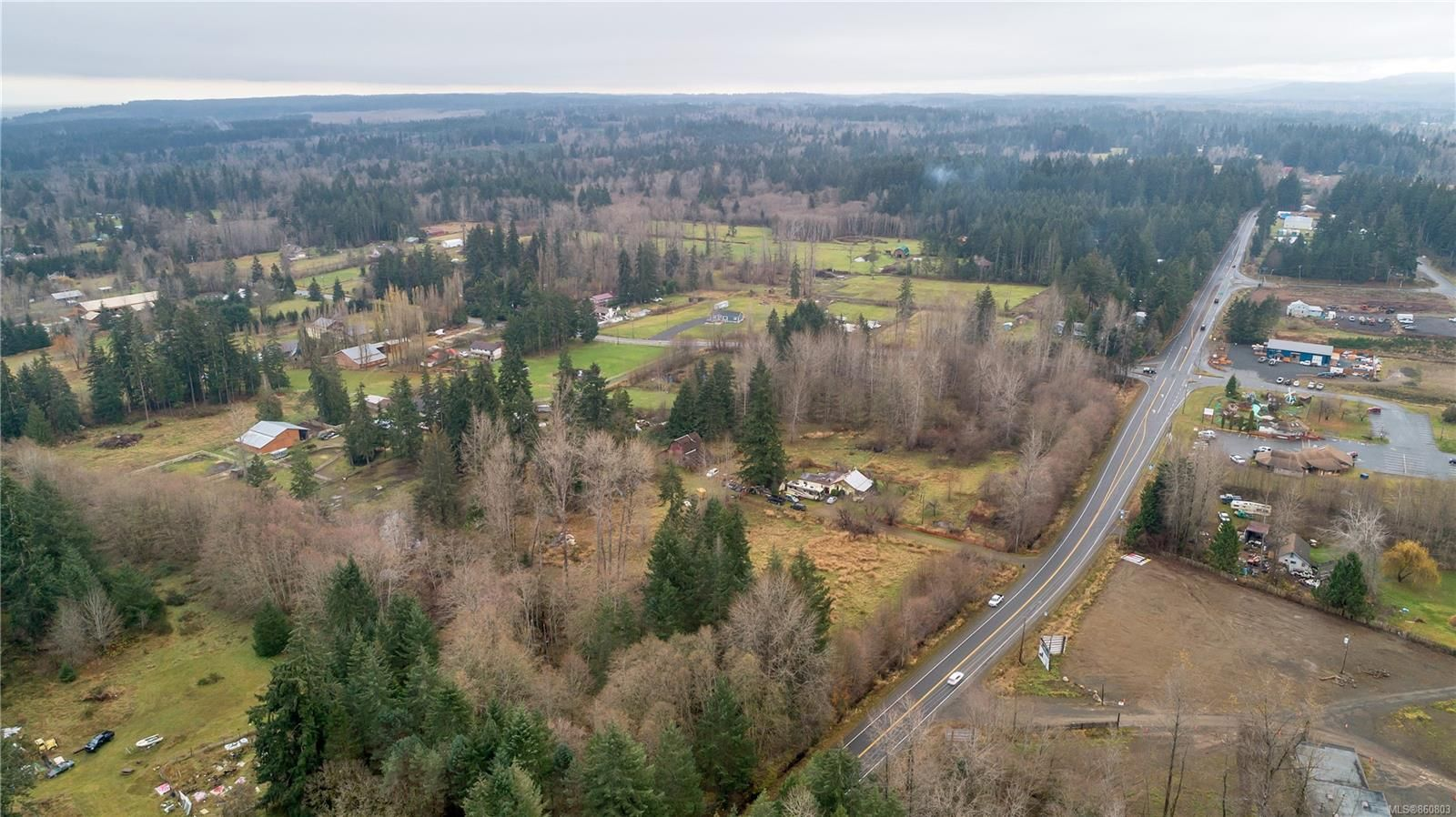 Photo 9: Photos: 8712 N Island Hwy in : CV Merville Black Creek Other for sale (Comox Valley)  : MLS®# 860803