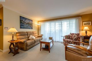 Photo 4: 205 1370 Beach Dr in VICTORIA: OB South Oak Bay Condo for sale (Oak Bay)  : MLS®# 675292