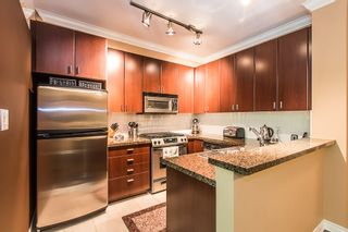 """Photo 6: 2 6878 SOUTHPOINT Drive in Burnaby: South Slope Townhouse for sale in """"CORTINA"""" (Burnaby South)  : MLS®# R2071594"""