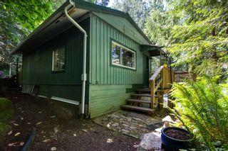 Photo 2: 5741 NAYLOR Road in Sechelt: Sechelt District House for sale (Sunshine Coast)  : MLS®# R2594105