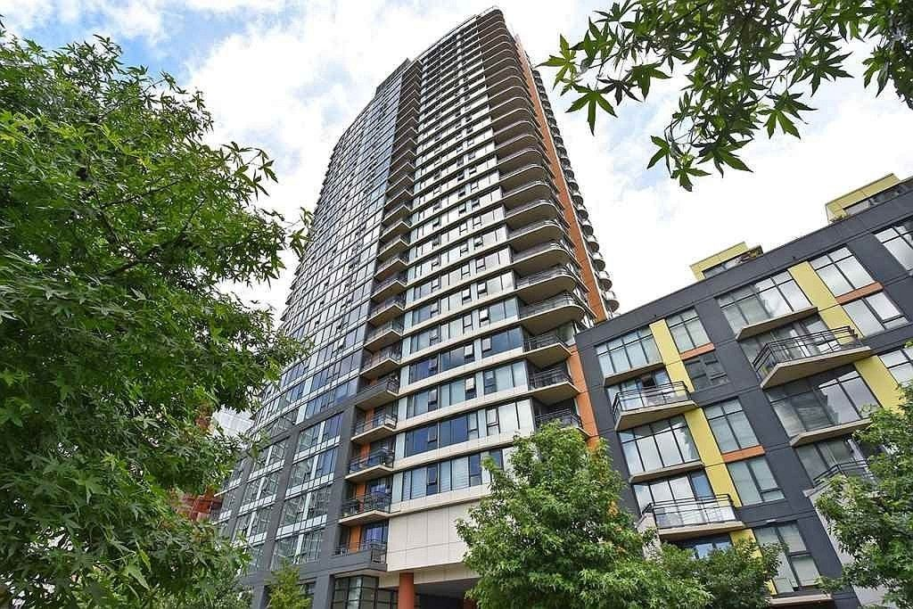 "Main Photo: 3307 33 SMITHE Street in Vancouver: Yaletown Condo for sale in ""COOPERS LOOKOUT"" (Vancouver West)  : MLS®# R2212690"