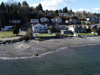 Photo 2: 2600 Randle Rd in : Na Departure Bay House for sale (Nanaimo)  : MLS®# 863517