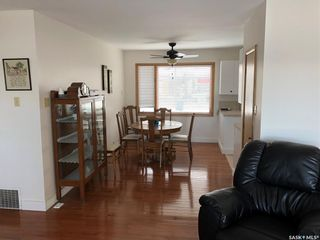Photo 3: 359 Central Avenue South in Swift Current: South West SC Residential for sale : MLS®# SK762355
