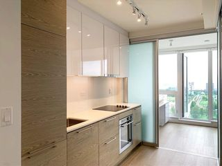 Photo 3: 2308 13438 CENTRAL Avenue in Surrey: Whalley Condo for sale (North Surrey)  : MLS®# R2598829