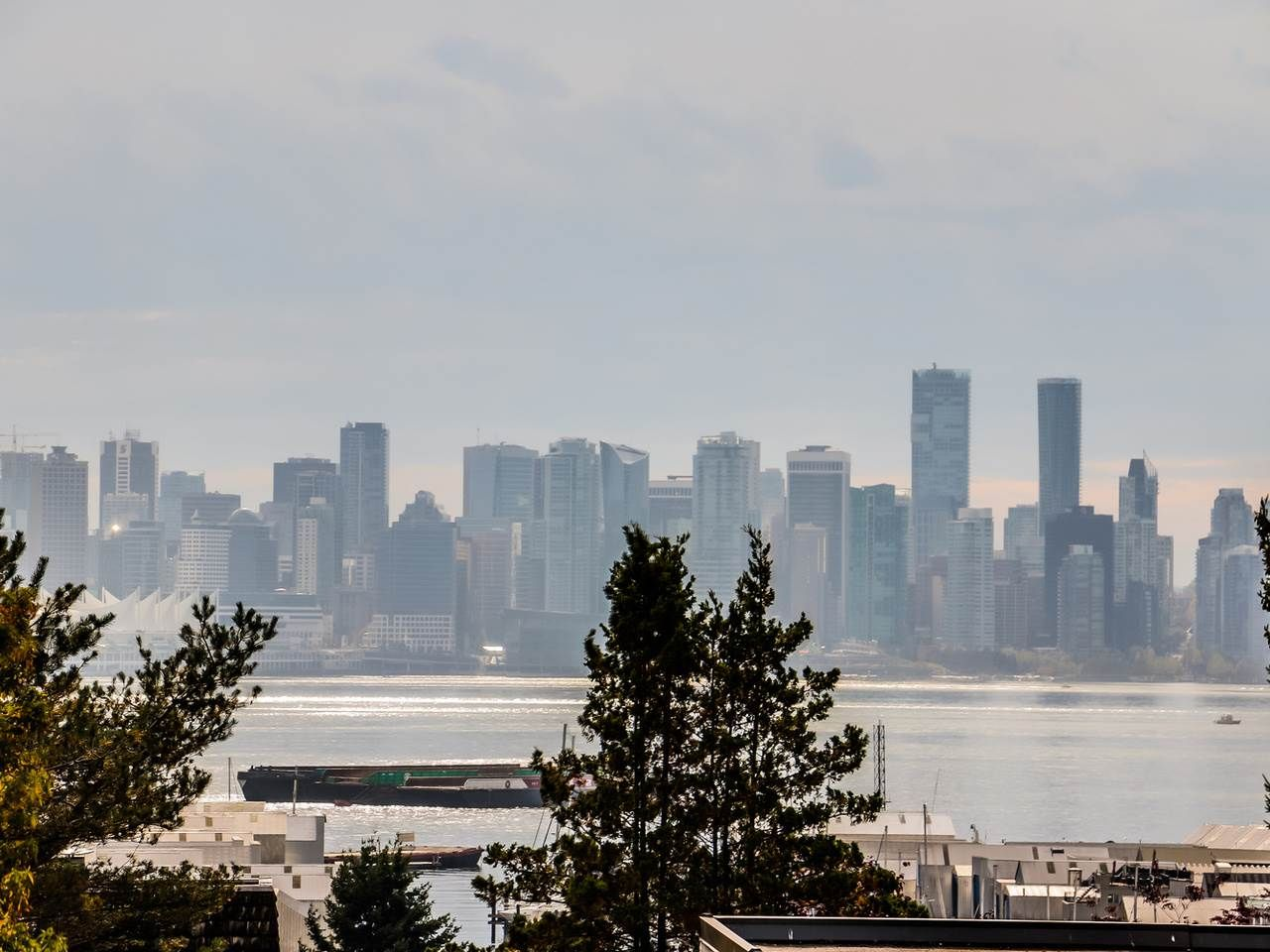 Main Photo: 303 325 W 3RD STREET in : Lower Lonsdale Condo for sale : MLS®# R2007213