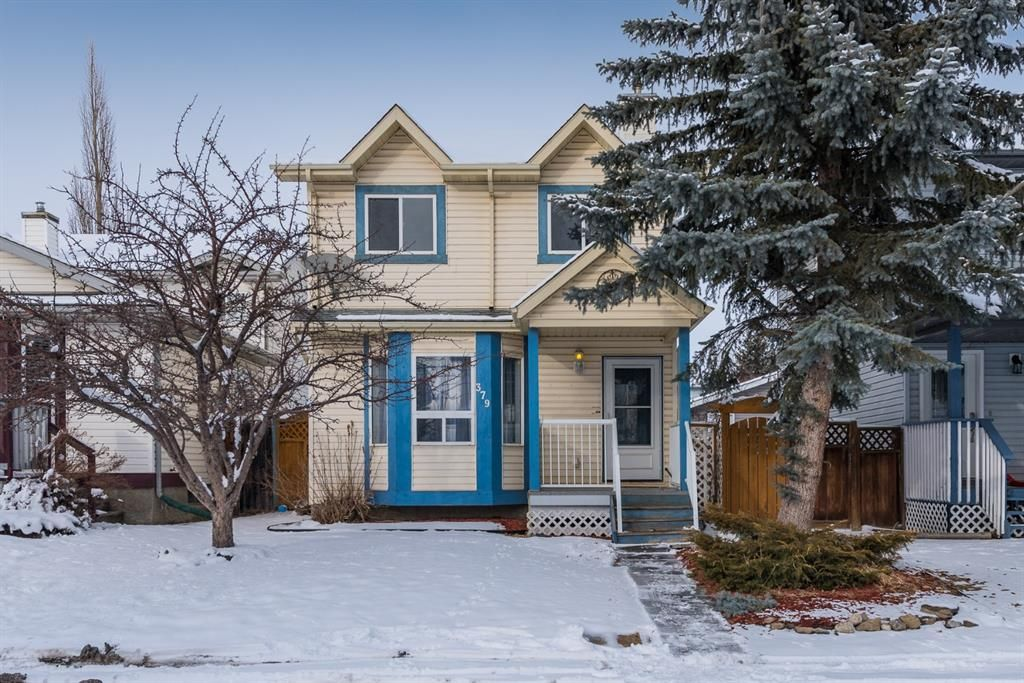 Main Photo: 379 Coverdale Court NE in Calgary: Coventry Hills Detached for sale : MLS®# A1067391