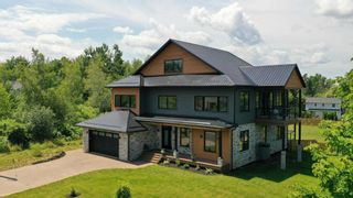 Photo 1: 132 Orchard Avenue in Wolfville: 404-Kings County Residential for sale (Annapolis Valley)  : MLS®# 202118474