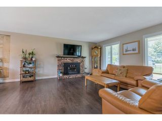 Photo 3: 35054 WEAVER Crescent in Mission: Hatzic House for sale : MLS®# R2599963