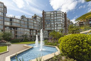 """Photo 2: 313 1490 PENNYFARTHING Drive in Vancouver: False Creek Condo for sale in """"HARBOUR COVE"""" (Vancouver West)  : MLS®# V938539"""