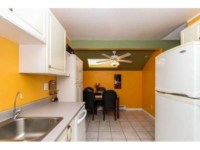 """Photo 10: Photos: 29 5666 208TH Street in Langley: Langley City Townhouse for sale in """"THE MEADOWS"""" : MLS®# F1437593"""