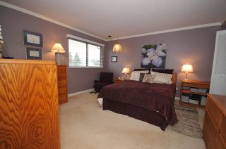 """Photo 15: 10351 HOGARTH Place in Richmond: Woodwards House for sale in """"WOODWARDS"""" : MLS®# V881151"""