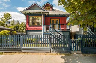 """Photo 3: 1021 SEMLIN Drive in Vancouver: Grandview Woodland House for sale in """"COMMERCIAL DRIVE"""" (Vancouver East)  : MLS®# R2584529"""
