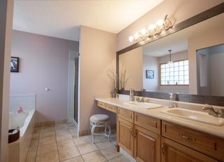 Photo 14: 127 Sandalwood Place NW in Calgary: Sandstone Valley Detached for sale : MLS®# A1048692