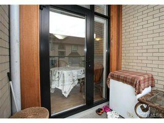 Photo 10: 103 3259 Alder St in VICTORIA: Vi Mayfair Condo for sale (Victoria)  : MLS®# 691053