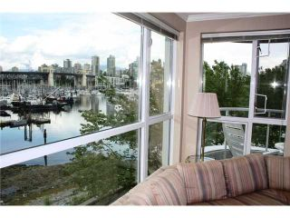 """Photo 3: 305 1551 MARINERS Walk in Vancouver: False Creek Condo for sale in """"LAGOONS"""" (Vancouver West)  : MLS®# V834816"""
