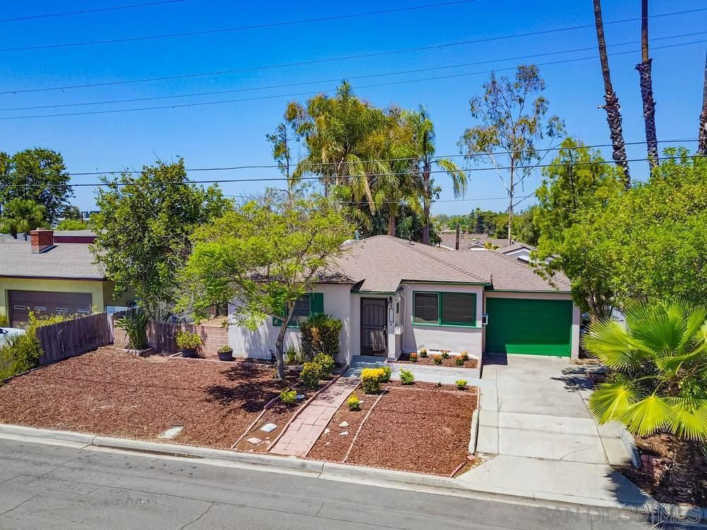 Main Photo: COLLEGE GROVE House for sale : 6 bedrooms : 5144 Manchester Rd in San Diego