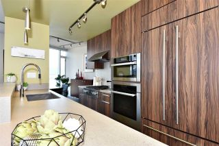 """Photo 8: 2804 1211 MELVILLE Street in Vancouver: Coal Harbour Condo for sale in """"The Ritz"""" (Vancouver West)  : MLS®# R2247457"""