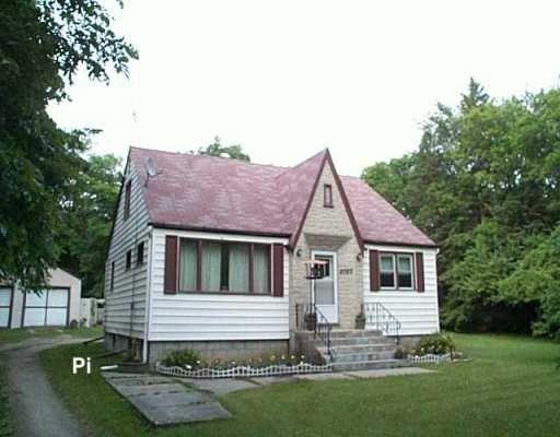 Main Photo: 2023 ROSENEATH Avenue in WINNIPEG: Birdshill Area Single Family Detached for sale (North East Winnipeg)  : MLS®# 2610119