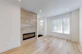 Photo 7: 2422 53 Avenue SW in Calgary: North Glenmore Park Detached for sale : MLS®# A1142924