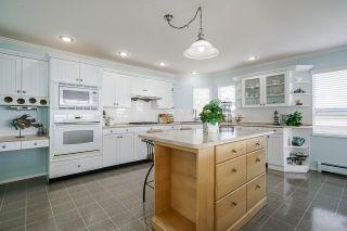 "Photo 9: 15452 VICTORIA Avenue: White Rock House for sale in ""White Rock Hillside"" (South Surrey White Rock)  : MLS®# R2558705"
