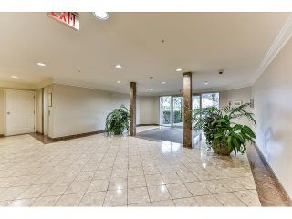 Photo 3: 304 7171 121 Street in Surrey: West Newton Condo for sale : MLS®# R2029159