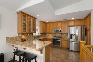 Photo 3: CARLSBAD SOUTH Condo for sale : 2 bedrooms : 6377 Alexandri Cir in Carlsbad