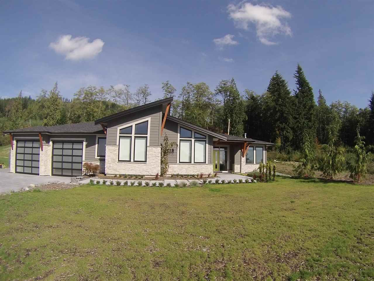 """Main Photo: 3 37885 BAKSTAD Road in Abbotsford: Sumas Mountain House for sale in """"ROCK CLIFF PARK"""" : MLS®# R2000942"""