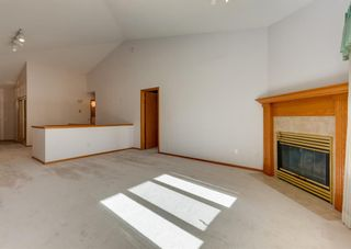 Photo 4: 119 Edgepark Villas NW in Calgary: Edgemont Row/Townhouse for sale : MLS®# A1114836