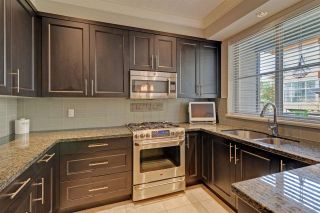 """Photo 8: 3 3025 BAIRD Road in North Vancouver: Lynn Valley Townhouse for sale in """"Vicinity"""" : MLS®# R2315112"""
