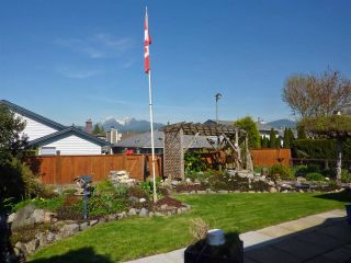Photo 2: 12132 CHERRYWOOD DRIVE in Maple Ridge: East Central House for sale : MLS®# R2053270