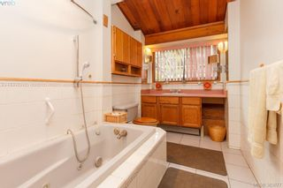 Photo 10: 6898 Woodward Dr in BRENTWOOD BAY: CS Brentwood Bay House for sale (Central Saanich)  : MLS®# 771146