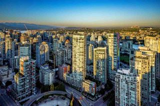 "Photo 19: 5601 1480 HOWE Street in Vancouver: Yaletown Condo for sale in ""VANCOUVER HOUSE"" (Vancouver West)  : MLS®# R2531161"