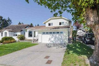 Photo 2: 2115 LONDON Street in New Westminster: Connaught Heights House for sale : MLS®# R2566850