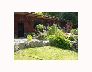 Photo 1: 7040 SKANA Crescent in Sechelt: Sechelt District House for sale (Sunshine Coast)  : MLS®# V755849