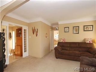 Photo 8:  in VICTORIA: SW Marigold House for sale (Saanich West)  : MLS®# 587125