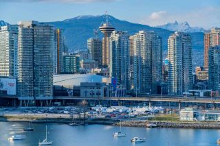 """Photo 18: 1402 1688 PULLMAN PORTER Street in Vancouver: Mount Pleasant VE Condo for sale in """"NAVIO AT THE CREEK"""" (Vancouver East)  : MLS®# R2603444"""