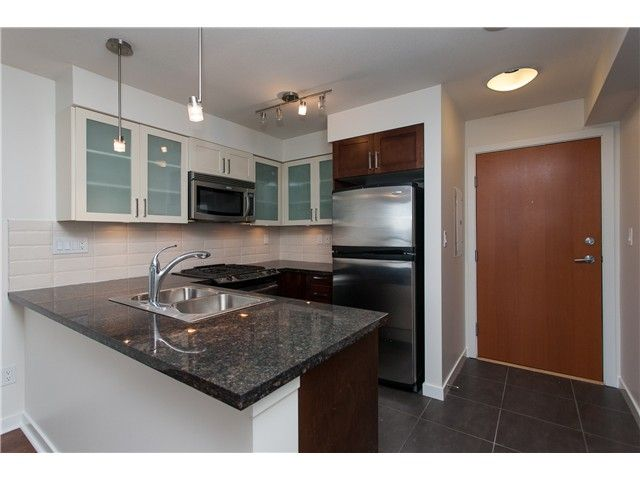 """Photo 6: Photos: 2006 1 RENAISSANCE Square in New Westminster: Quay Condo for sale in """"THE Q"""" : MLS®# V1043023"""