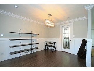 Photo 3: 7357 CULLODEN Street in Vancouver: South Vancouver House for sale (Vancouver East)  : MLS®# V1096878