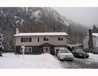 Photo 1: 38346 FIR Street in Squamish: Valleycliffe House for sale : MLS®# V686197