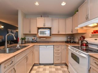Photo 2: 52 717 Aspen Rd in COMOX: CV Comox (Town of) Row/Townhouse for sale (Comox Valley)  : MLS®# 803821