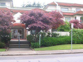 Photo 1: 109 1447 Best Street in White Rock: Home for sale : MLS®# F2512540
