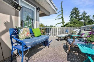 """Photo 13: 828 PARKER Street: White Rock House for sale in """"EAST BEACH"""" (South Surrey White Rock)  : MLS®# R2607727"""