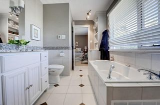 Photo 25: 2956 LATHOM Crescent SW in Calgary: Lakeview Detached for sale : MLS®# C4263838