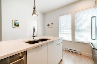 "Photo 11: 2131 CLARKE Street in Port Moody: Port Moody Centre Townhouse for sale in ""EDGESTONE BY BOLD PROPERTIES"" : MLS®# R2486105"