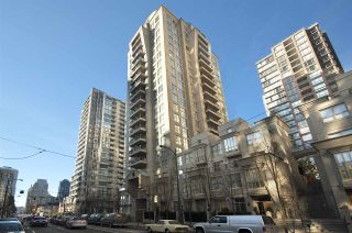 """Photo 1: 1001 989 RICHARDS Street in Vancouver: Downtown VW Condo for sale in """"Mondrian One"""" (Vancouver West)  : MLS®# R2585997"""