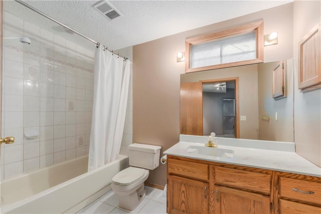 Photo 28: Photos: 2603 SIGNAL RIDGE View SW in Calgary: Signal Hill House for sale : MLS®# C4177922