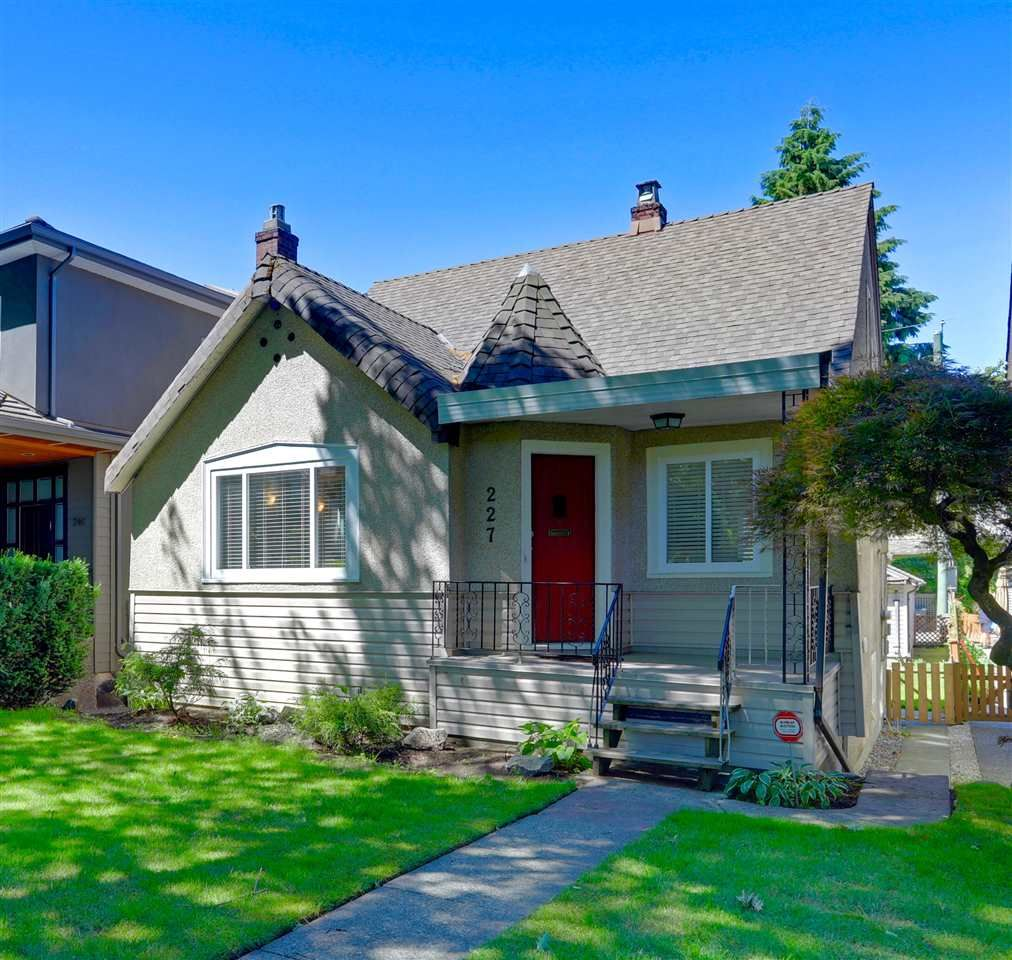 """Main Photo: 227 W 22ND Avenue in Vancouver: Cambie House for sale in """"Cambie Village"""" (Vancouver West)  : MLS®# R2283769"""
