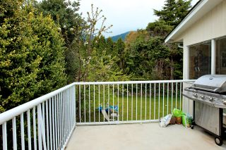 Photo 18: 572 Verona Place in North Vancouver: Upper Delbrook House for sale : MLS®# V945319