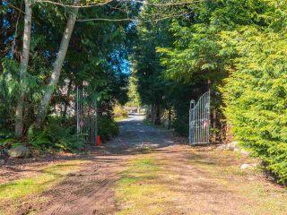 Photo 2: 7735 REDROOFFS Road in Halfmoon Bay: Halfmn Bay Secret Cv Redroofs House for sale (Sunshine Coast)  : MLS®# R2564522