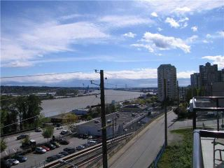 Photo 9: 408 210 CARNARVON Street in New Westminster: Downtown NW Condo for sale : MLS®# V828069